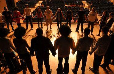 Marian Chace Technik: hier lernst Du Theorie-Praxis-Modelle der Tanztherapie.